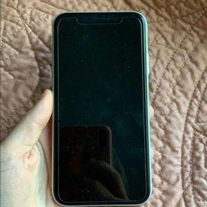 iPhone XR plus 2 cases